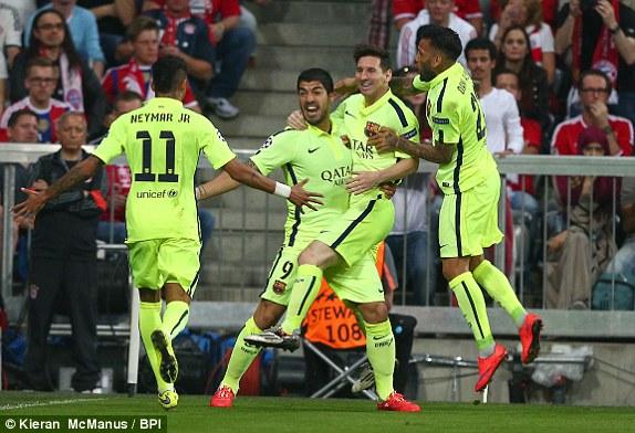 Barcelona đi tiếp nhờ màn tỏa sáng của bộ ba nguyên tử Messi - Suarez - Neymar.