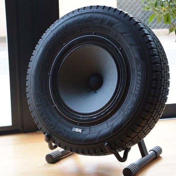 Lốp xe được sử dụng để làm thùng loa độc nhất vô nhị.