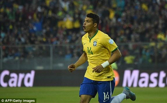 Trung vệ Thiago Silva mở tỷ số cho Brazil ở ngay phút thứ 9