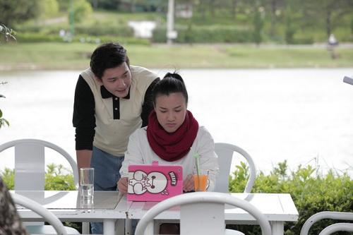 Huỳnh Anh và Hoàng Oanh trong phim Khúc hát mặt trời