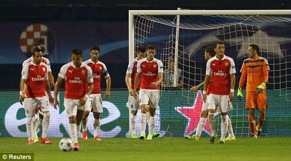 Arsenal chơi thiếu thuyết phục và thất thủ 1-2 trước đại diện của Croatia Dinamo Zagreb.