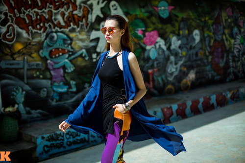 Nếu như chiều cao khủng của Hồng Xuân là một điều khiến cô gặp áp lực từ thời niên thiếu cho tới khi bước chân vào giới người mẫu thì stylist Phi Phi lại cho đó là lợi thế.