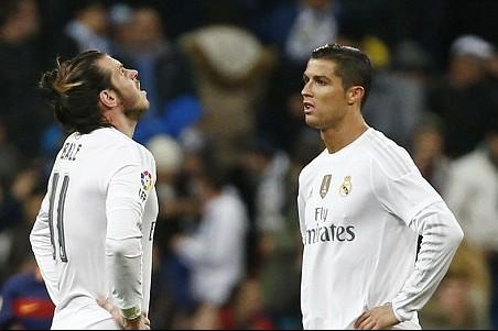 Cách tiếp cận trận đấu của HLV Rafa Benitez là yếu tố khiến Real Madrid thua tan tác