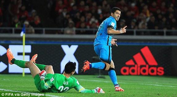 Phong độ chói sáng của Suarez giúp Barcelona nhẹ nhàng giành vé dự trận chung kết FIFA Club World Cup 2015.