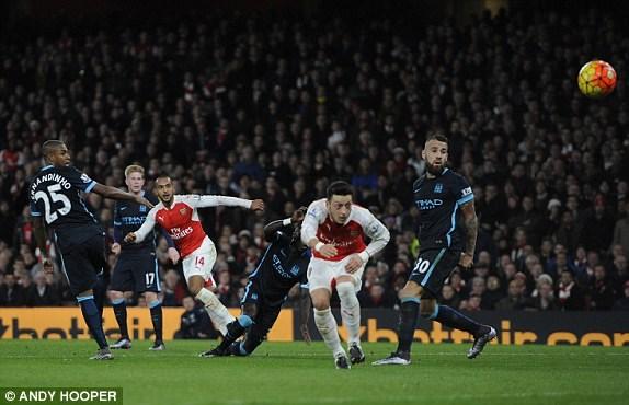 Chơi không lấn lướt đối thủ tuy nhiên Arsenal lại có điều mình cần là những bàn thắng.