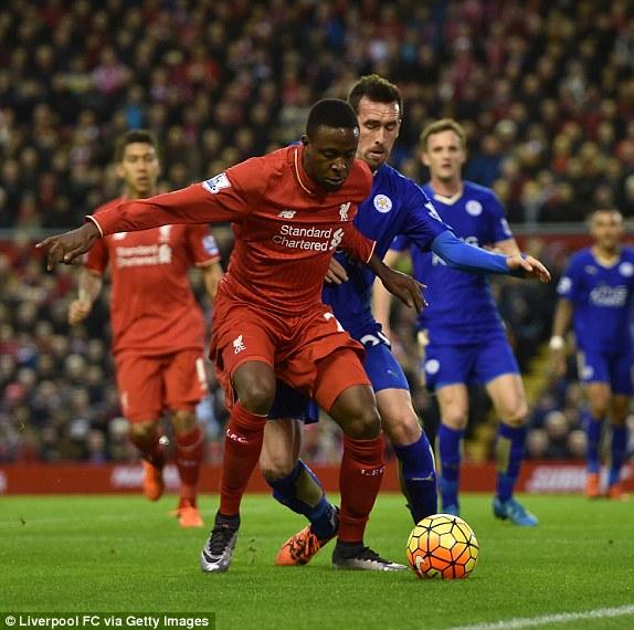 Thất bại trước Liverpool khiến Leicester City đối mặt nguy cơ mất ngôi đầu Premier League 2015/16 sau vòng 18.
