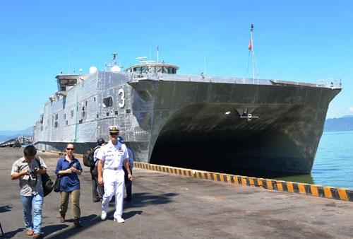 Tàu cao tốc USNS Millinocket cập cảng Tiên Sa. (Ảnh: qdnd.vn)