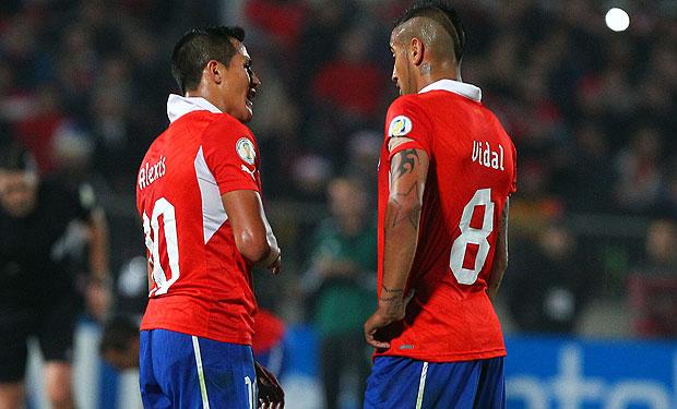 Cả Sanchez và Vidal đều đang cùng vướng mắc lịch thi đấu vào tháng 6 tới đây