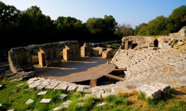 Nhà hát ngoài trời của Hy Lạp cổ ở công viên quốc gia Butrint. Ảnh: Wolfgang Kaehler/Corbis