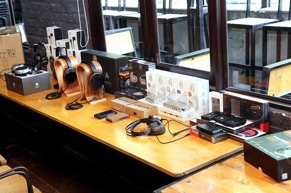 Trong khuôn khổ sự kiện, hàng loạt sản phẩm hot từ Audeze, Fiio, iFi Audio… đều có mặt