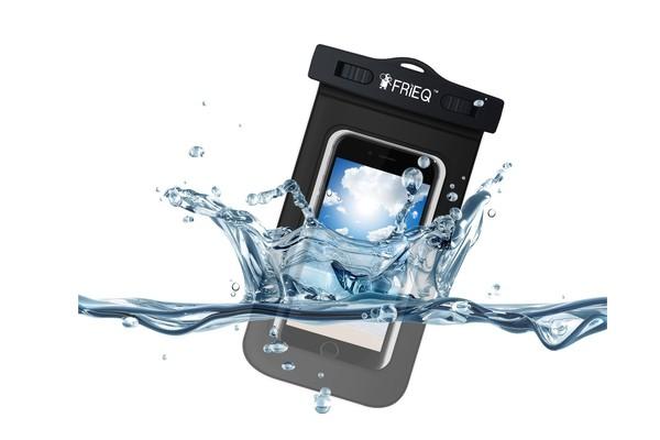 Universal Waterproof Case Bag hiện có giá bán tham khảo 7,99 USD. (Ảnh: Trí Thức Trẻ)