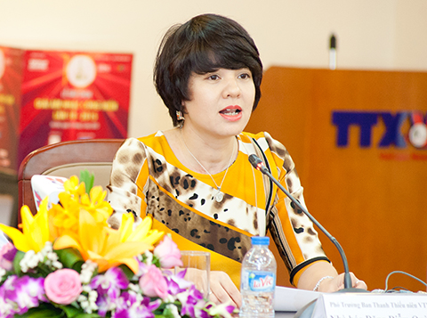 Nhà báo Diễm Quỳnh.