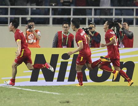 Bóng đá Việt Nam cần vươn đến những mục tiêu xa hơn, tầm châu lục trở lên (ảnh: Gia Hưng)