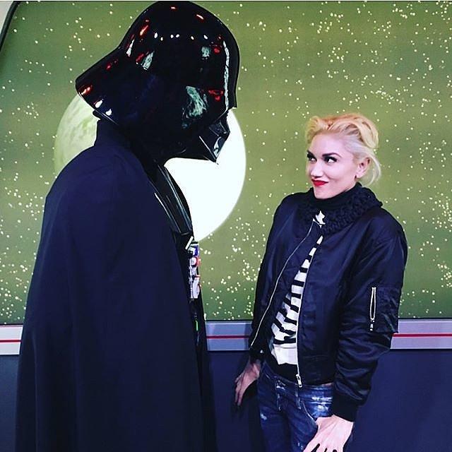 Sau khi ly dị chồng, Gwen Stefani dành thời gian cho bản thân nhiều hơn, cô tới Disneyland trong dịp Lễ tạ ơn.