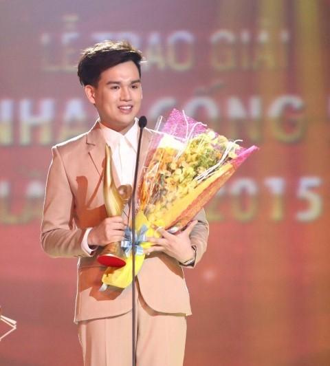 Nguyễn Trần Trung Quân giành giải Nghệ sĩ mới của năm và Album của năm.