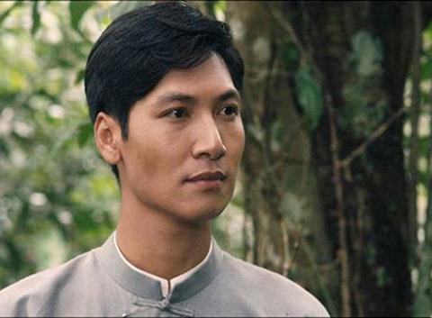 Diễn viên Nguyễn Mạnh Trường thủ vai Nguyễn Ái Quốc trong phim Thầu Chín ở Xiêm.