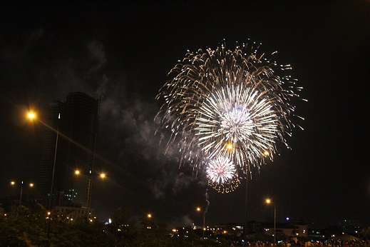 Tất cả đều hớn hở chào đón năm mới Ất Mùi vừa sang... (Ảnh: Trí Hòa)