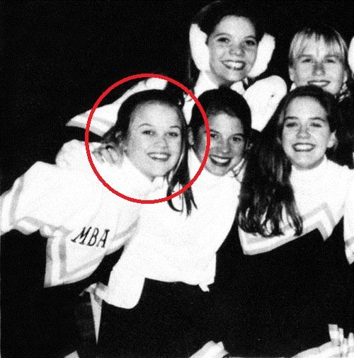 Reese Witherspoon mộc mạc bên những người bạn thân thiết.