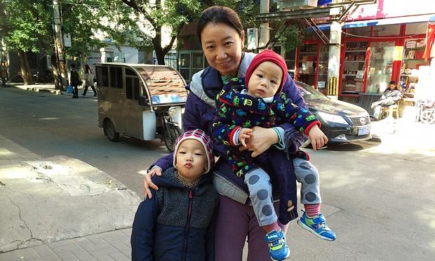 Cô Fancy Chen sinh thêm đứa con thứ 2 khi Trung Quốc nới lỏng luật vào năm 2013 và cho phép những cặp vợ chồng có vợ hoặc chồng là con một được sinh thêm con (Ảnh: Tom Phillips)