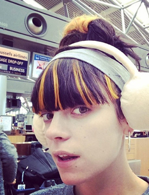 Cận cảnh gương mặt không màu mè của ca sĩ Lily Allen.