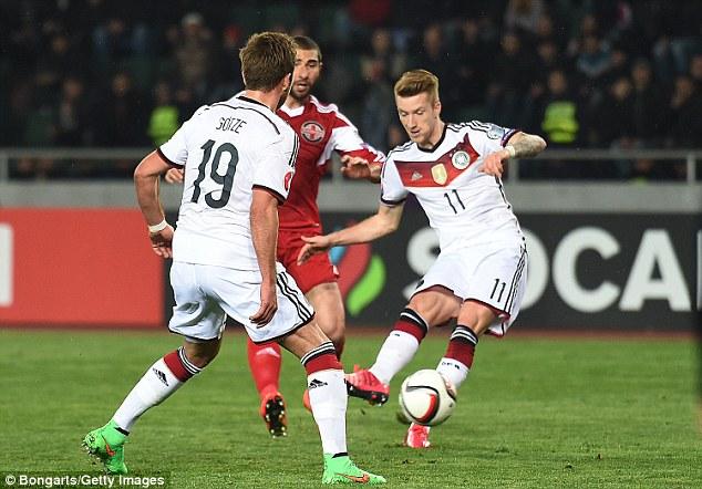 Marco Reus góp 1 bàn trong chiến thắng 2-0 của đội tuyển Đức trước Gruzia