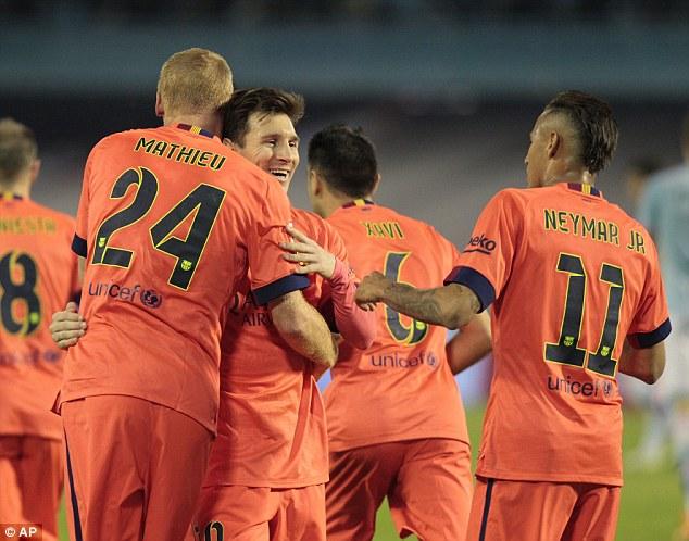 Barcelona tiếp tục duy trì khoảng 4 điểm với Real Madrid