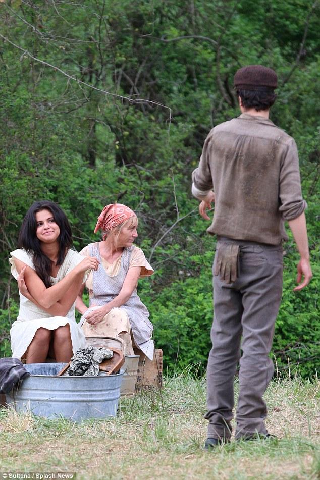 Thời gian này, Selena đang phải đối mặt với nghi án chia tay Zedd vì vẫn còn tình cảm với Justin Bieber