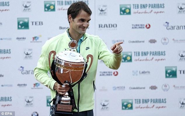 Roger Federer có bước chạy đà hoàn hảo cho Madrid Open 2015 bằng chức vô địch Istanbul Open