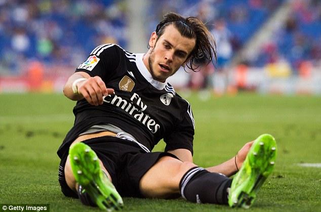 Đồng đội tại Real Madrid không chịu chuyền bóng cho Gareth Bale ?