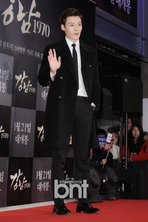 Mỹ nam Choi Jin Hyuk - anh trai của Lee Min Ho trong phim The Heirs - gây ấn tượng với vẻ ngoài bảnh bao. Được biết, tháng 3 tới, Choi Jin Hyuk sẽ nhập ngũ