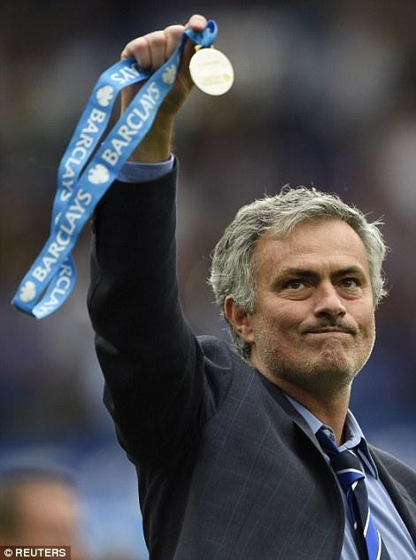 Chia sẻ sau lễ đăng quang của Chelsea, HLV Jose Mourinho đã dùng từ hoàn hảo để nói về đội bóng của mình.