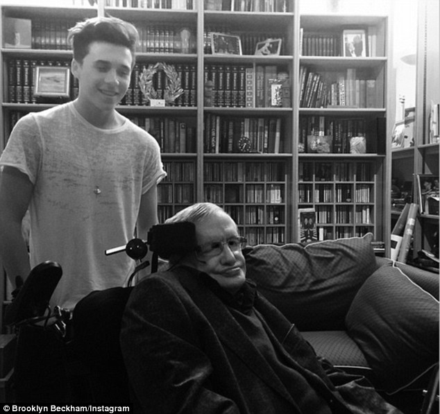 Brooklyn hào hứng vì được gặp Stephen Hawking.