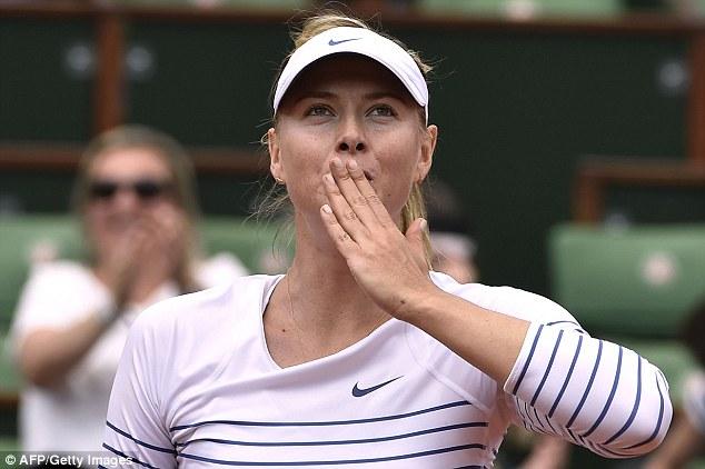 Maria Sharapova đã giành vé vào vòng 3 Pháp mở rộng 2015