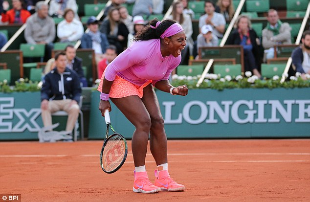 Phải mất đến 4 set đấu, Serena Williams  mới có thể vượt qua được Victoria Azarenka