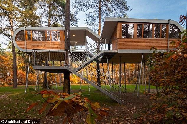 Baumraum Treehouse Retreat ở Bỉ được xây dựng bởi công ty thiết kế Baumraum của Đức.