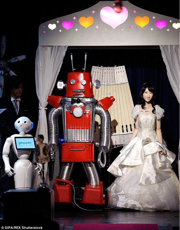 Frois và Yukirin làm lễ cưới trước sự chứng kiến của các khách mời