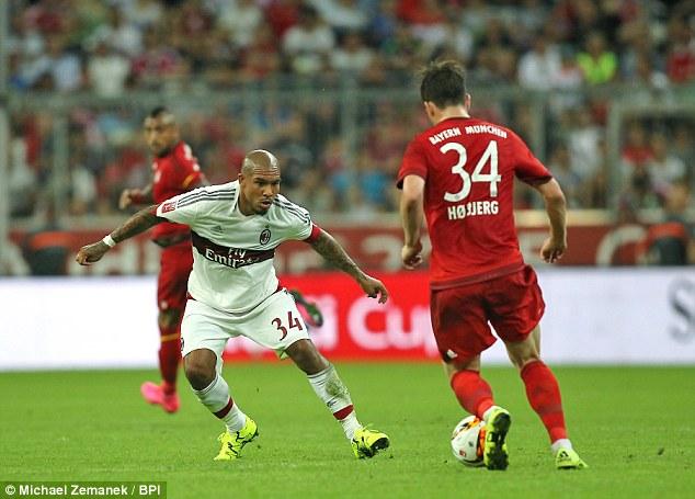 De Jong được biết đến là một tiền vệ có lối chơi rất quyết liệt.