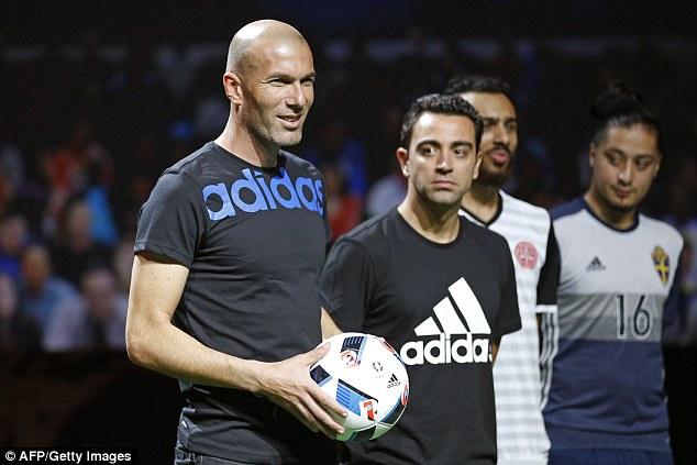 Zidane và Xavi đều đánh giá cao chất lượng của trái Beau Jeu