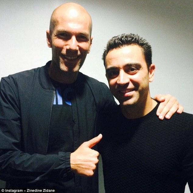 Xavi cũng đã góp mặt trong ra mắt trái bóng của Euro 2016