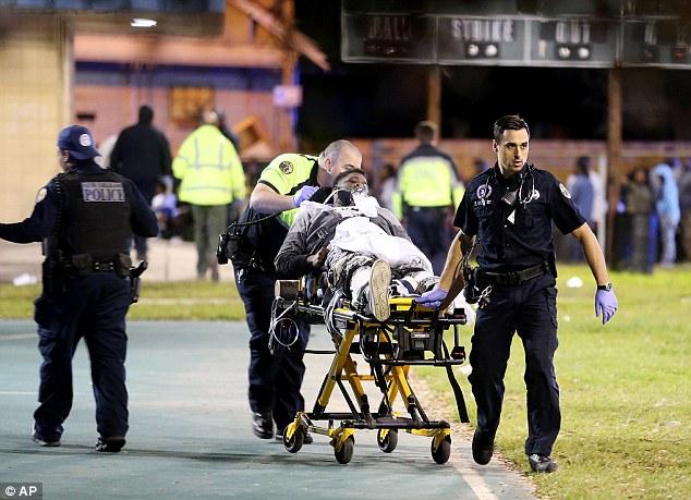 Ít nhất 16 người đã phải nhập viện trong vụ việc trên