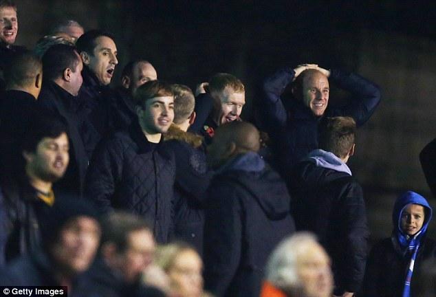 Scholes so sánh việc theo dõi Salford thi đấu với đội bóng thuở bé Oldhamd khi anh là một cậu trai 9 tuổi.