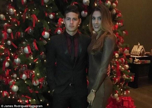 James Rodriguez lịch thiệp với bộ vest bóng bẩy bên cạnh người vợ xinh đẹp