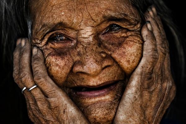 Nụ cười không răng ở tuổi 103