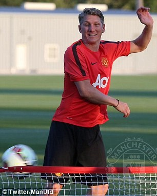 Bastian Schweinsteiger được kỳ vọng sẽ là thủ lĩnh mới ở tuyến giữa của MU