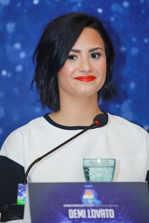 Có thể bài hát được nhiều người yêu thích, Let it go, sẽ được Deli Lovato thể hiện trong chươgn trình ngày mai.