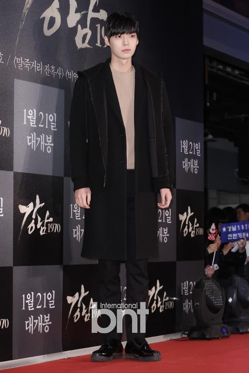 Người mẫu Ahn Jae Hyun - người được biết đến qua bộ phim Vì sao đưa anh tới - cũng có mặt tại sự kiện
