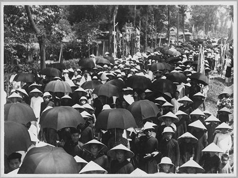 Đoàn người tham dự lễ tế Nam Giao.