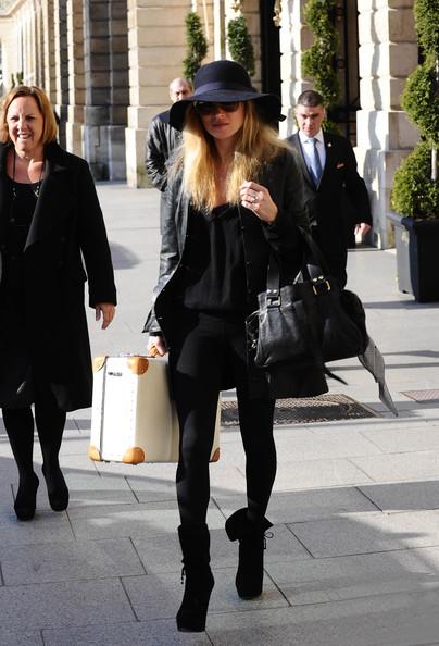 Cô nổi tiếng cùng thời với Cindy Crawford, Elle Macpherson, Claudia Schiffer