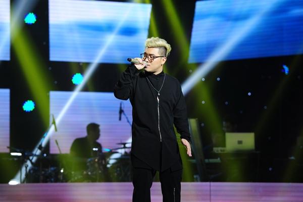 Giọng hát Việt 2015: Lê Hữu Toàn đứng hình khi được cả 4 HLV chọn - Ảnh 4