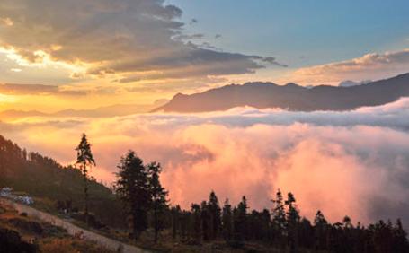 Hoàng hôn tuyệt đẹp nhìn từ núi Hàm Rồng (Sa Pa)